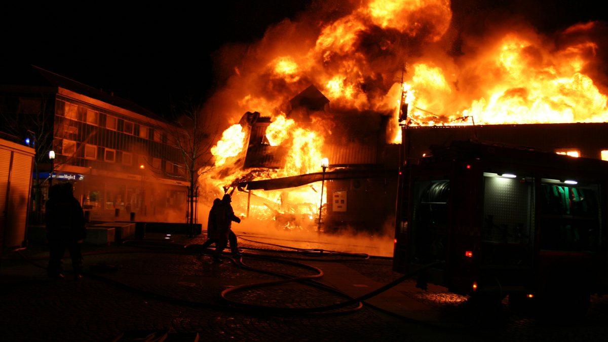 Cara Mencegah Dan Menanggulangi Kebakaran Di Perumahan Ibukota Saberindo